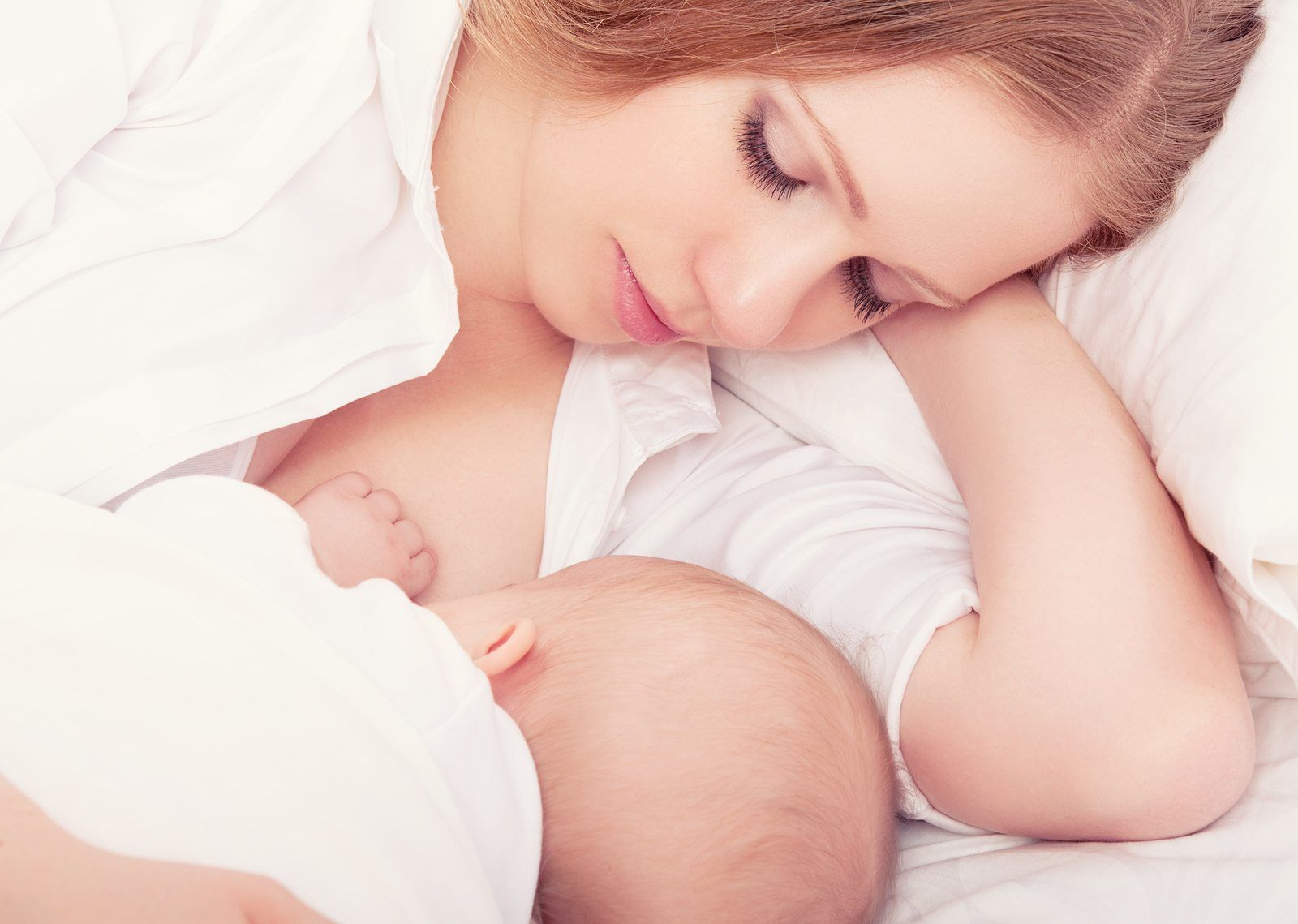Anne ve Bebek İçin Emzirmenin Faydaları