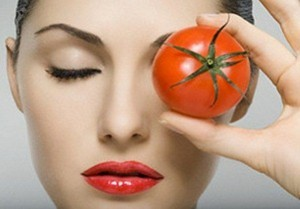 eating-tomatoes-benefits