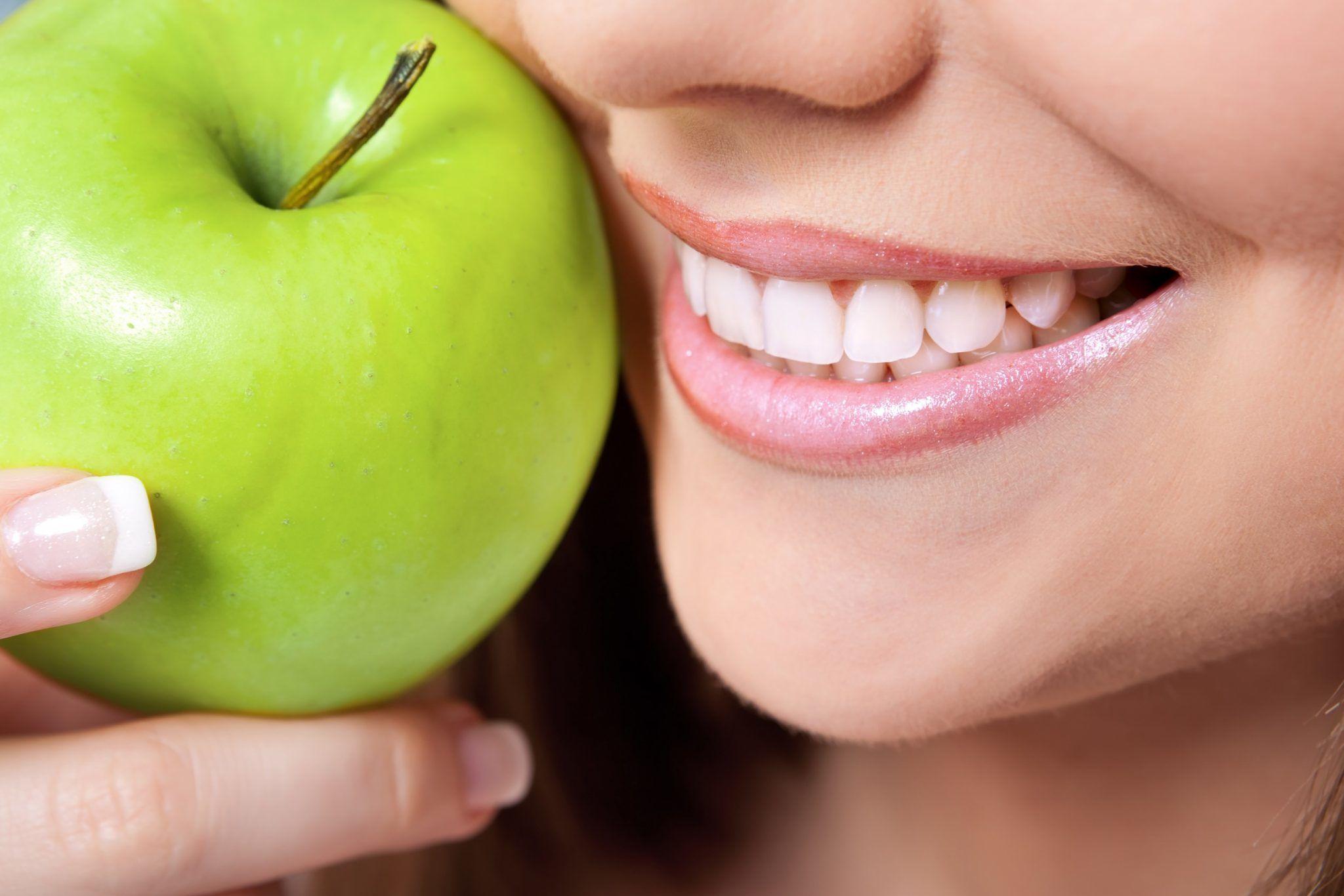 Dişleri beyazlatan yiyecekler