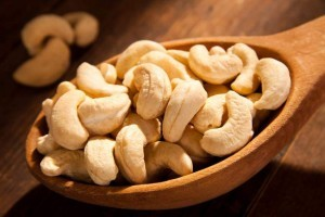 635848368496536327-339677712_raw-cashew-nuts