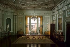 english-diningroom-1770_90-thorne-miniature
