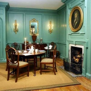 georgian-style-interior-dining-room-with-classic-furniture-turquoise-paints