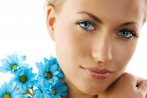 blue eyes and blue daisy