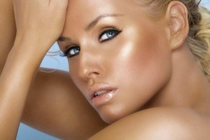 e29fd94a5038986d_golden_glowing_tanned_face