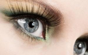 1468588562_ciglia-femminili-e-occhi-grigi