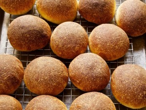 20140730-ideas-in-food-cooling-beef-fat-oil-brushed-rolls-thumb-1500xauto-408383