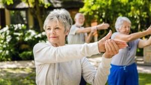easy-stretching-exercises-seniors-increase-flexibility_ee1c664edb78c383