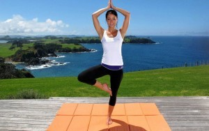 girl-doing-yoga-closeup-image-1024x640