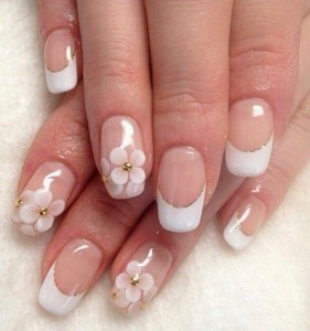 french-manucure-gel-fleurs-dessins-deco-base-transparente