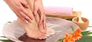 rdh0024_smelly_feet_foot_bath