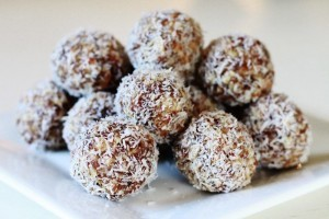 almond-coconut-date-balls