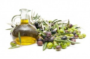 olive-oil-w-olives
