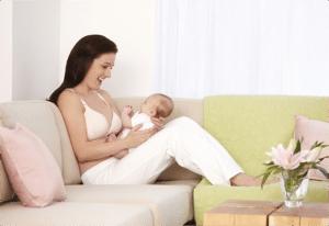Bebeğinizi Doğru Emzirme 3