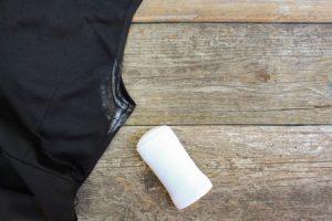 Giysilerdeki Deodorant Lekesi Nasıl Çıkar?
